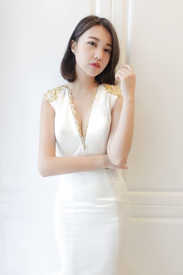 時尚深V亮緞魚尾白紗 - 愛情蔓延精緻婚紗 - 台中婚紗 | 禮服出租 | 婚紗推薦