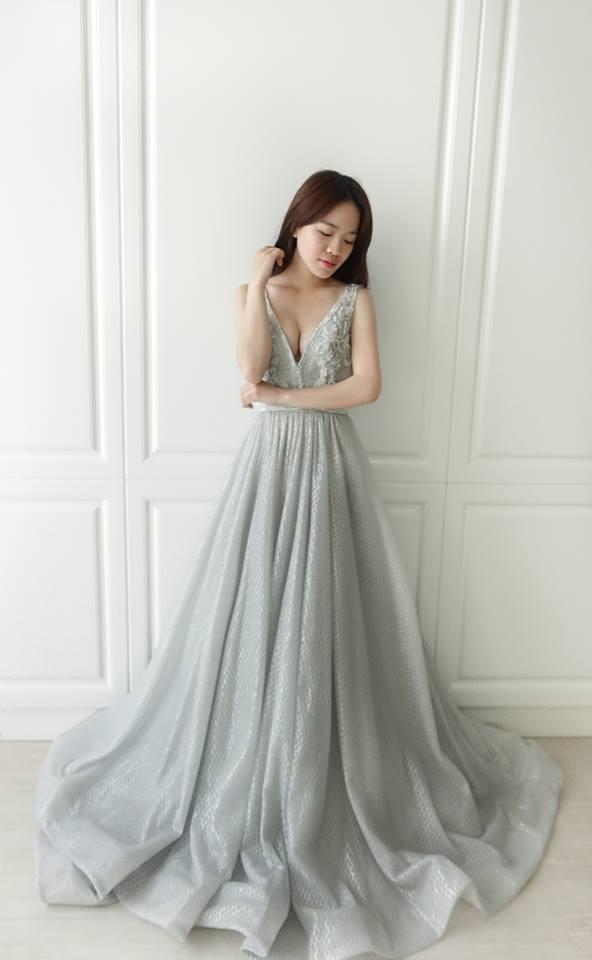 閃亮銀色深V禮服 - 愛情蔓延精緻婚紗 - 台中婚紗 | 禮服出租 | 婚紗推薦