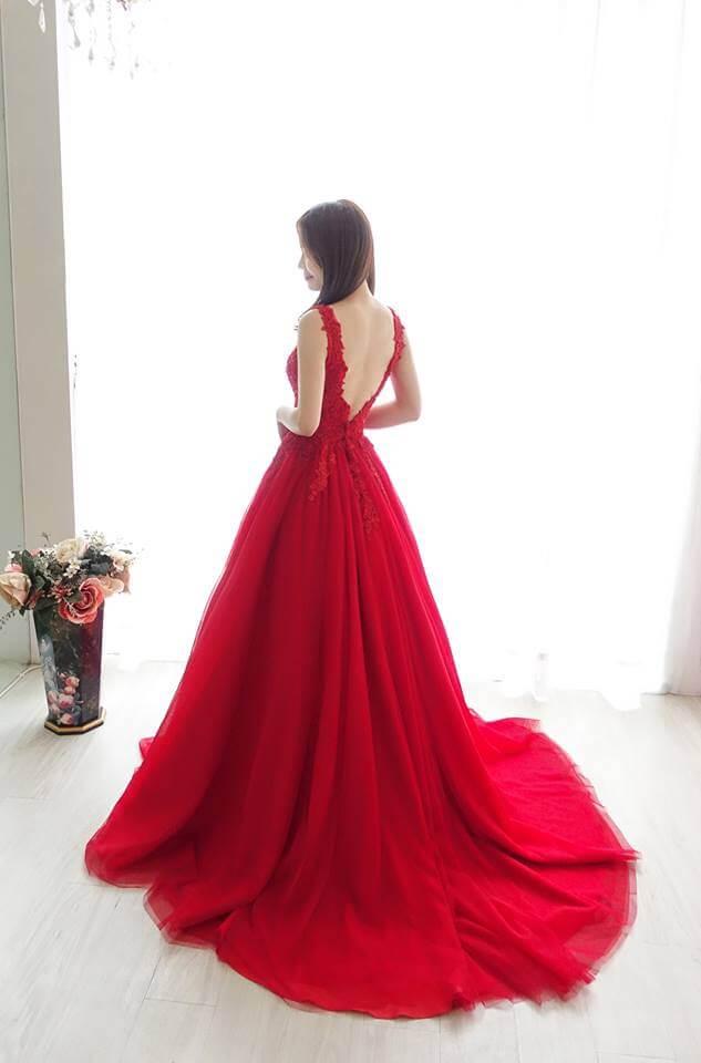 玫瑰紅深V透膚禮服- 愛情蔓延精緻婚紗 - 台中婚紗 | 禮服出租 | 婚紗推薦