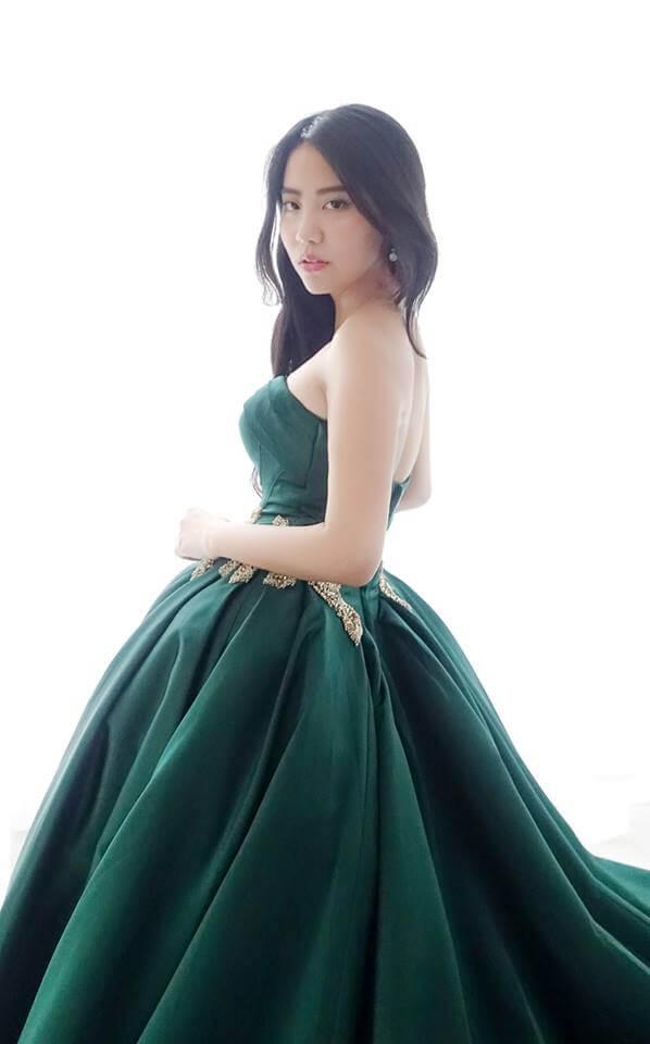 宮廷風祖母綠亮緞禮服- 愛情蔓延精緻婚紗 - 台中婚紗 | 禮服出租 | 婚紗推薦