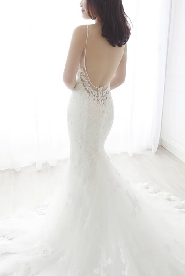 氣質細肩蕾絲魚尾白紗 - 愛情蔓延精緻婚紗 - 台中婚紗 | 禮服出租 | 婚紗推薦