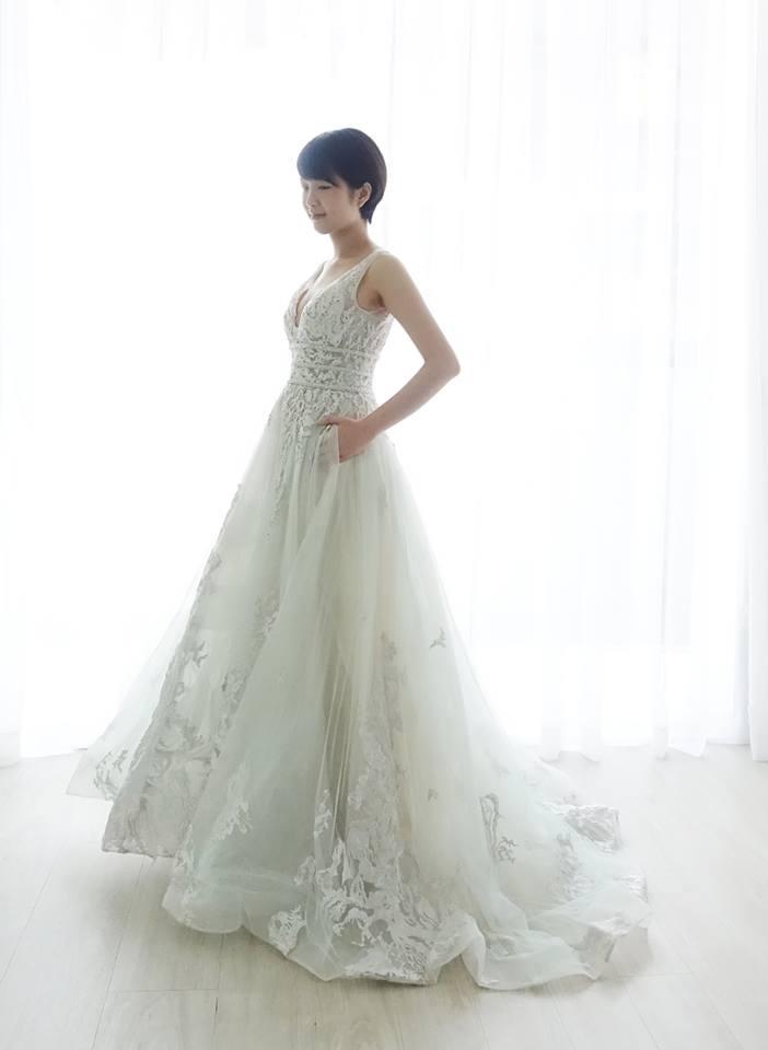 氣質深V冰綠色禮服 - 愛情蔓延精緻婚紗 - 台中婚紗 | 禮服出租 | 婚紗推薦面白紗