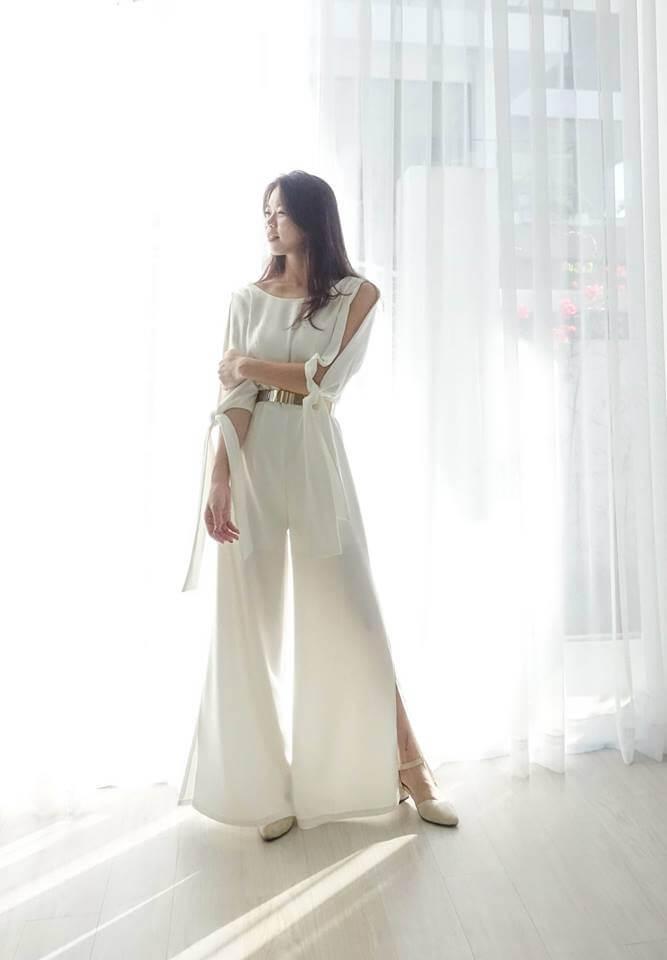 時尚柔緞開衩褲 - 愛情蔓延精緻婚紗 - 台中婚紗 | 禮服出租 | 婚紗推薦
