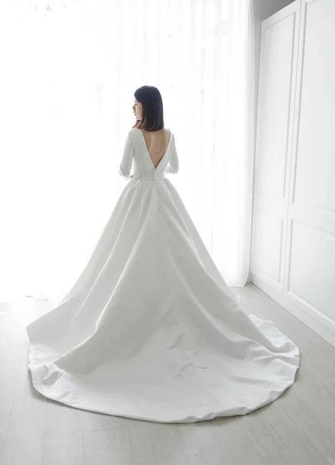 簡約綢緞白紗 - 台中婚紗 | 禮服出租 | 婚紗推薦