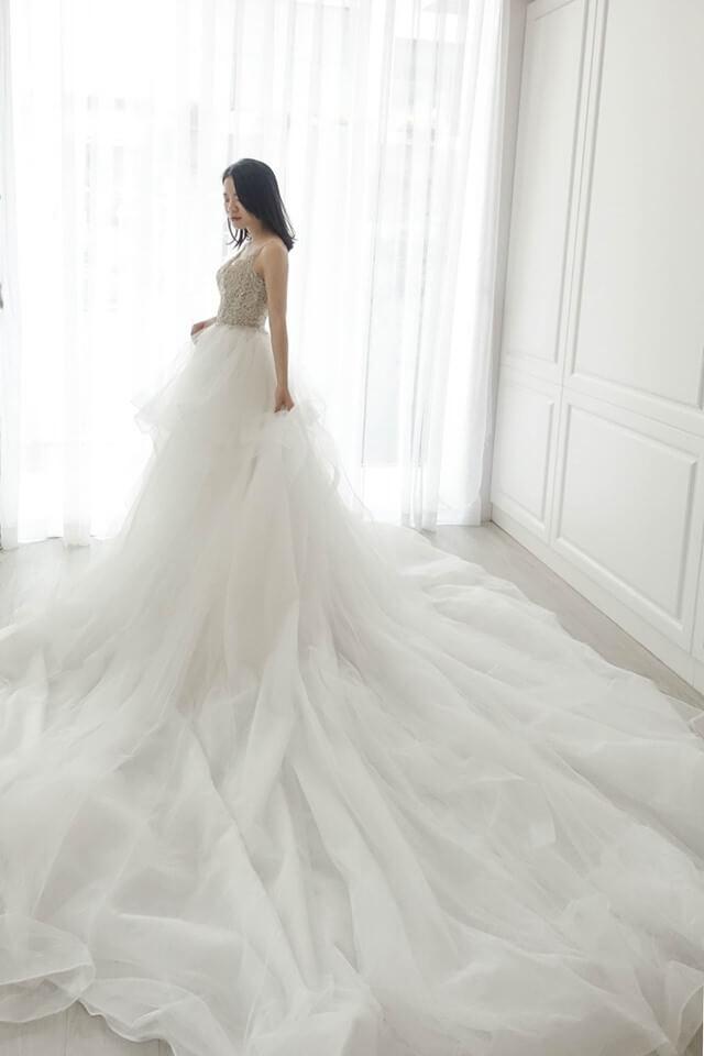 香檳金層次拖尾禮服 - 台中婚紗 | 禮服出租 | 婚紗推薦