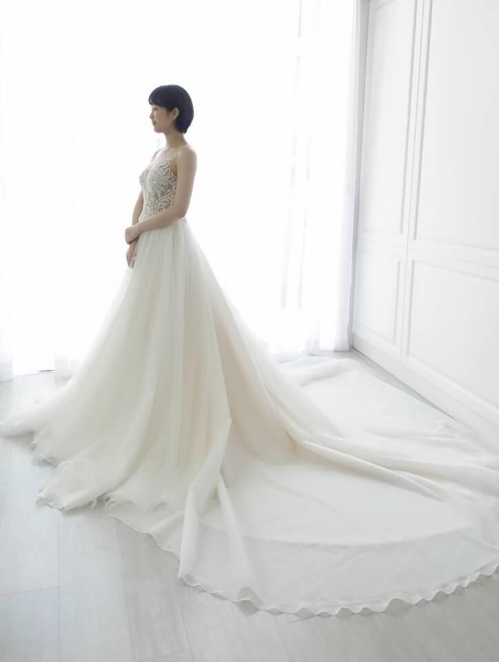 裸膚圖騰珍珠白紗 - 台中婚紗 | 禮服出租 | 婚紗推薦